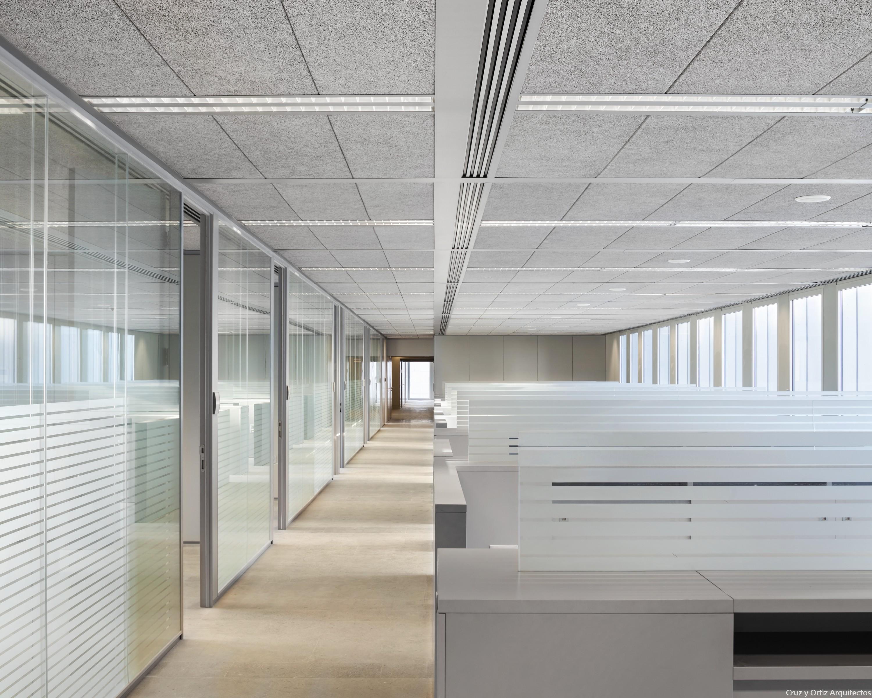 Cruz y ortiz arquitectos oficinas para consejer a de for Oficina junta de andalucia