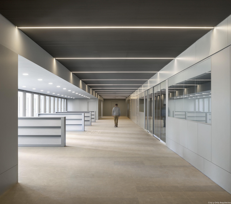 Cruz y ortiz arquitectos oficinas consejerias junta for Oficina junta de andalucia